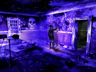 black-light-crome-scene